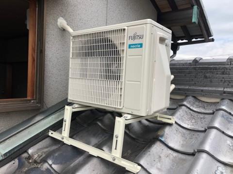 エアコン室外機 屋根置き