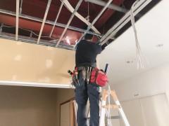 LED照明の配線工事1