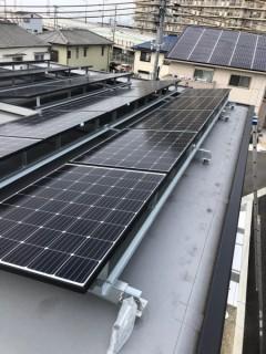 屋根上 太陽光パネル アンテナ